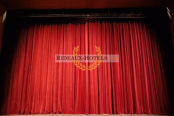 Rideau de scène rouge théâtre