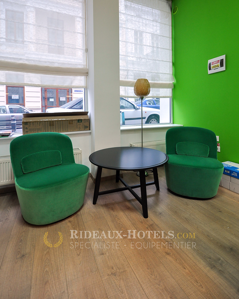Meubles professionnels sur mesure bureaux for Teindre un meuble deja teint