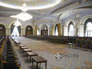 moquette-reception-salle-hotel-luxe-personalise-rideaux-grande-immense-classique-palais-palace