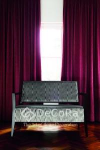 Magnifique rideau velours anti-feu ignifugé rouge rose violet pourpre pronfond