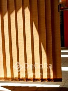 PxxJ001-bureau-norme-rideaux-hotel-persienne-verticale-marron-professionnel